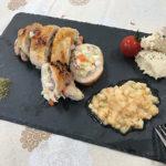 鶏もも肉の野菜ロール~ハーブソルトと桃ソース添え